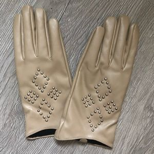 Accessories - Vegan leather ladies gloves taupe w/ silver studs